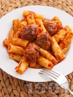 Печени макарони (паста) с малки кюфтенца и доматен сос на фурна - снимка на рецептата